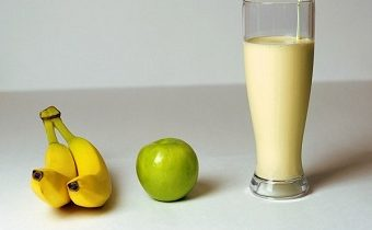 пп коктейль бананово яблочный
