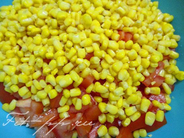 кукуруза для салата из пекинской капусты