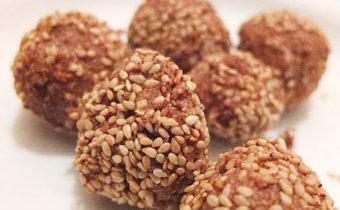 Конфеты из фиников и семечек рецепт с пошаговыми фото